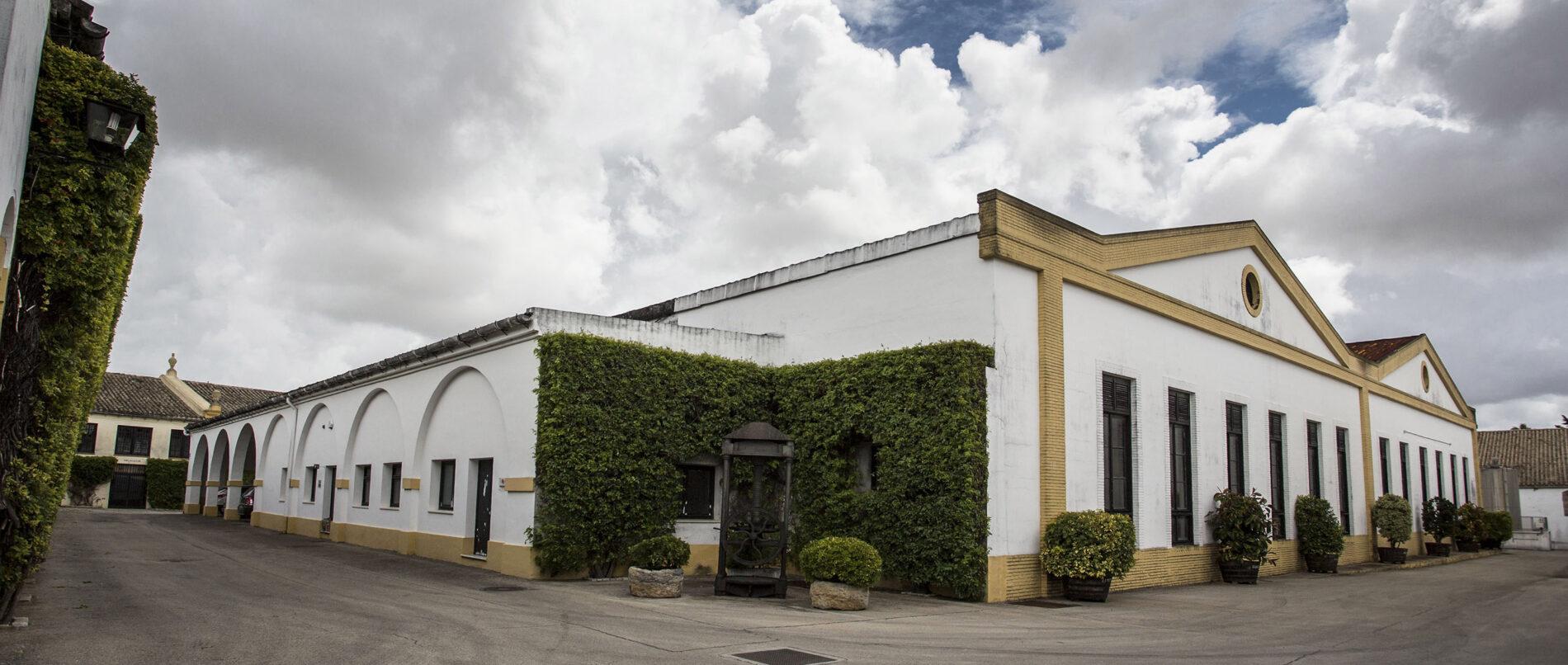 Exterior de Bodegas Lustau